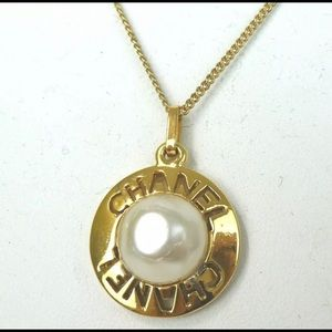 Chanel pearl gold plated necklace